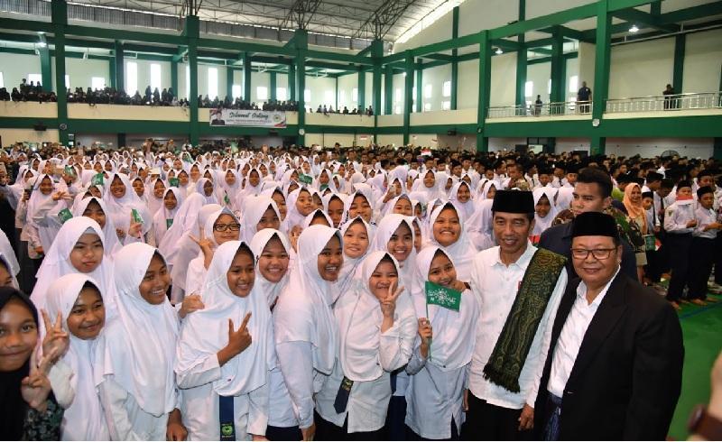 Al-Insan al-Kamil: Konsep Pendidikan Holistik di Pesantren